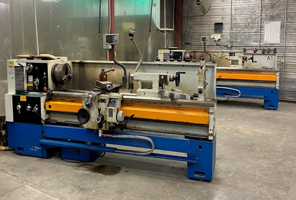 Summit engine lathes with DRO