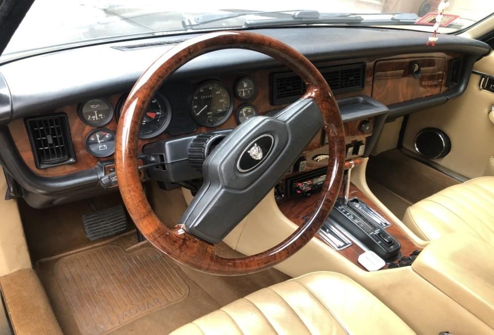 1987 Jaguar XJ6-3