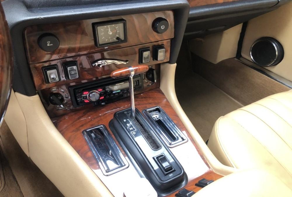 1987 Jaguar XJ6-4